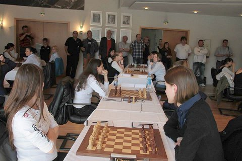 bad k nigshofen gewinnt deutsche meisterschaft chessbase. Black Bedroom Furniture Sets. Home Design Ideas