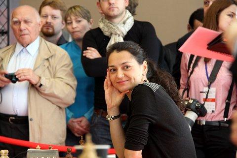 http://de.chessbase.com/portals/3/files/2014/tal_mem/2/Image32.jpg