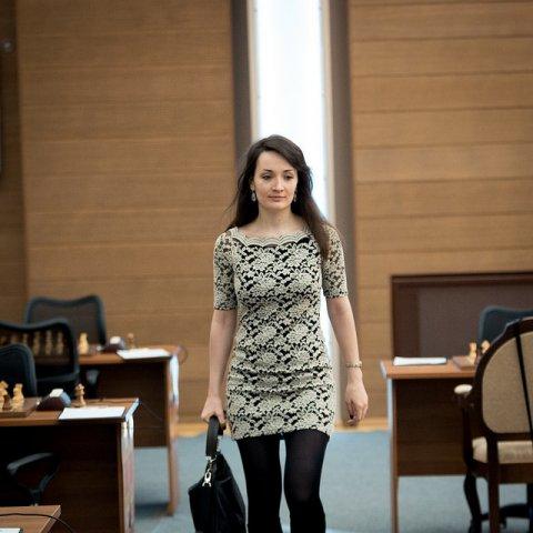 Frauen Grand Prix: Hou verteidigt Führung   ChessBase