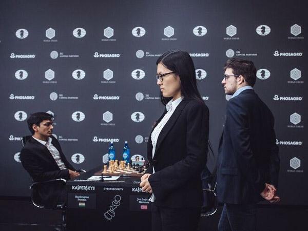 Hou Yifan se apuntó la única victoria en la primera ronda