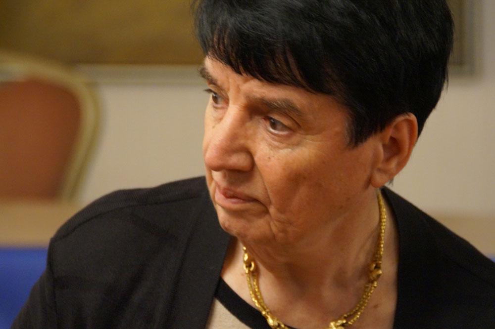 Nona Gaprindashvili portrait